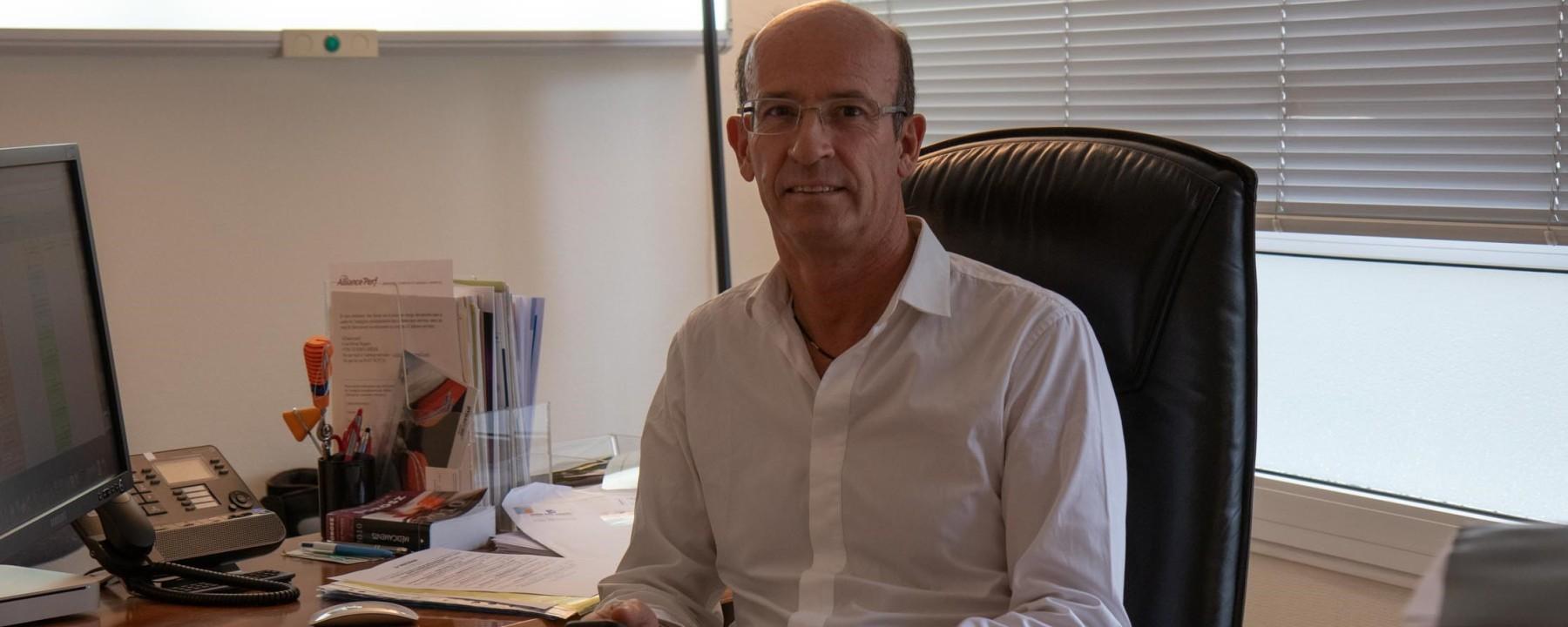 Dr Daniel Nérisson
